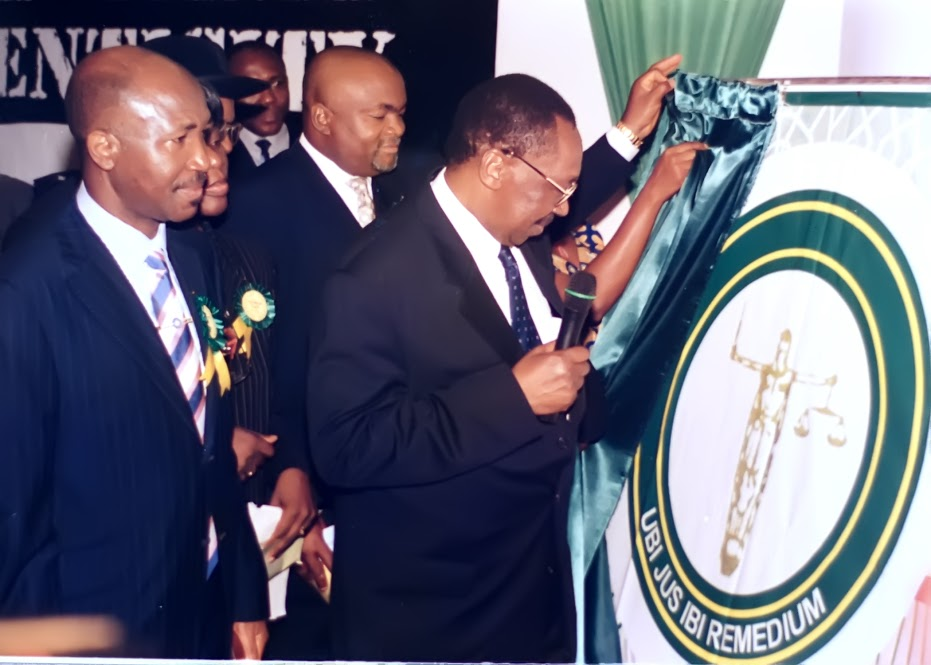Chief Wole Olanipekun, SAN, Prince Lanke Odogiyan and Hon. Justice Mohammed L. Uwais, GCON, Chief Justice of Nigeria (1995-2006), unveiling the NBA Stamp & Seal emblem, during the tenure of Chief Wole Olanipekun, OFR, SAN, as NBA President.